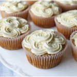 banana-cupcakes-cinnamon-maple-syrup-buttercream