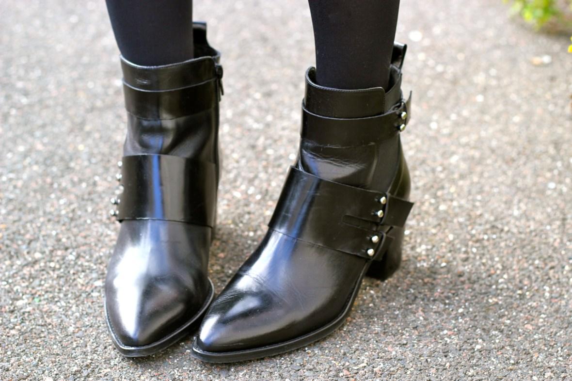 boots_jonak