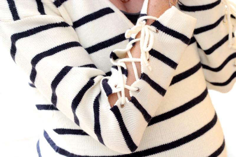 pull-manches-lacees