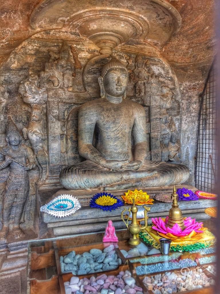 offrandes-bouddha-polunnaruwa