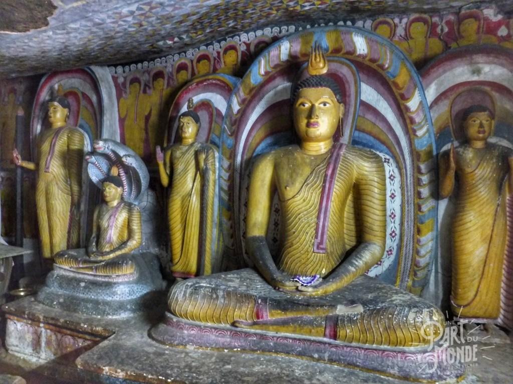 statue-dambulla