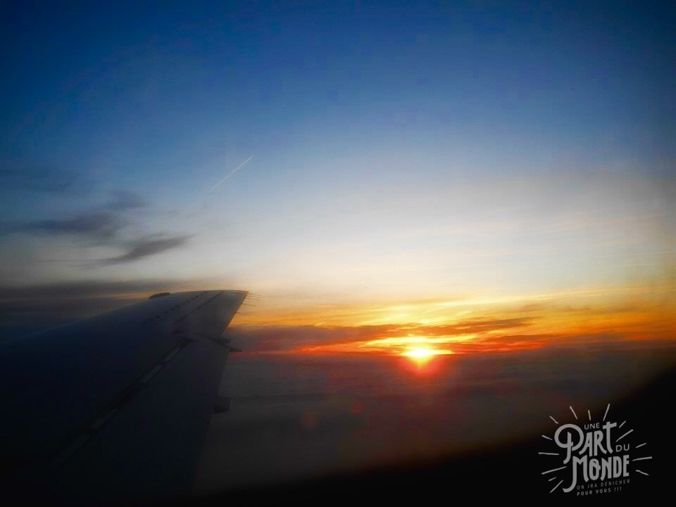 trouver son billet d'avion à petit prix - vue avion sunset