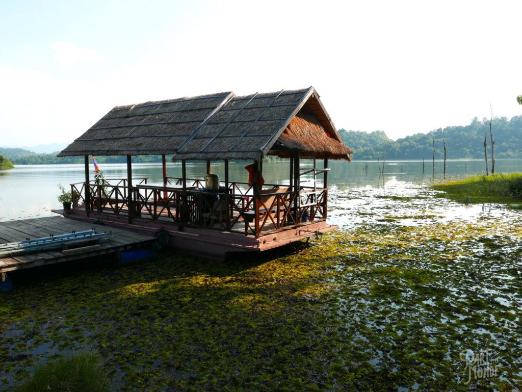 bateau elephant conservation center