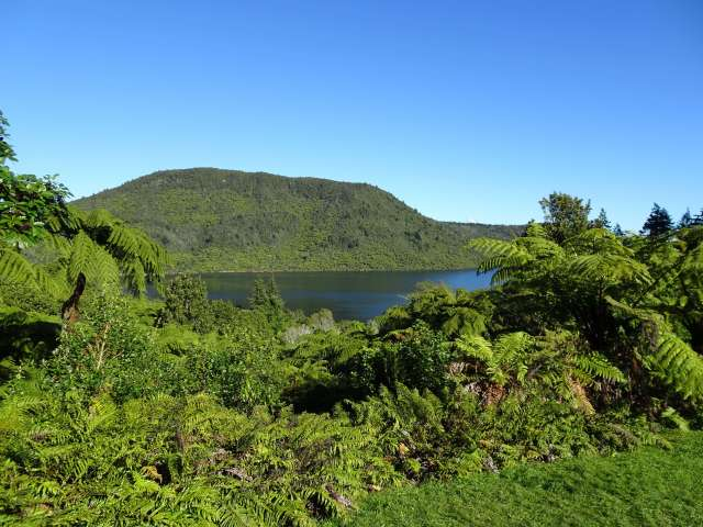 Photo-Lake-Tikutapu-New-Zealand