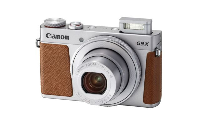 Canon Powershot G9 X - front of the point-and-shoot camera