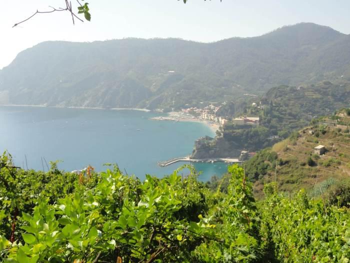 Schitterende vergezichten vanaf de berg over Monterosso in Cinque Terre