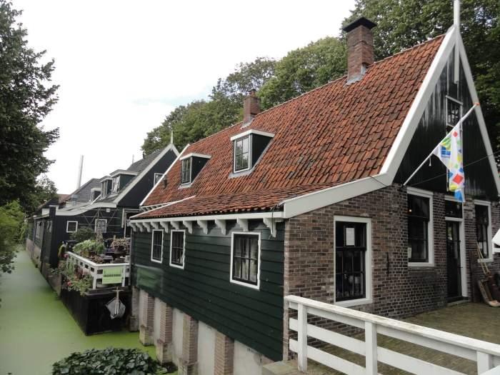 Huizen in het dorp Middenbeemster