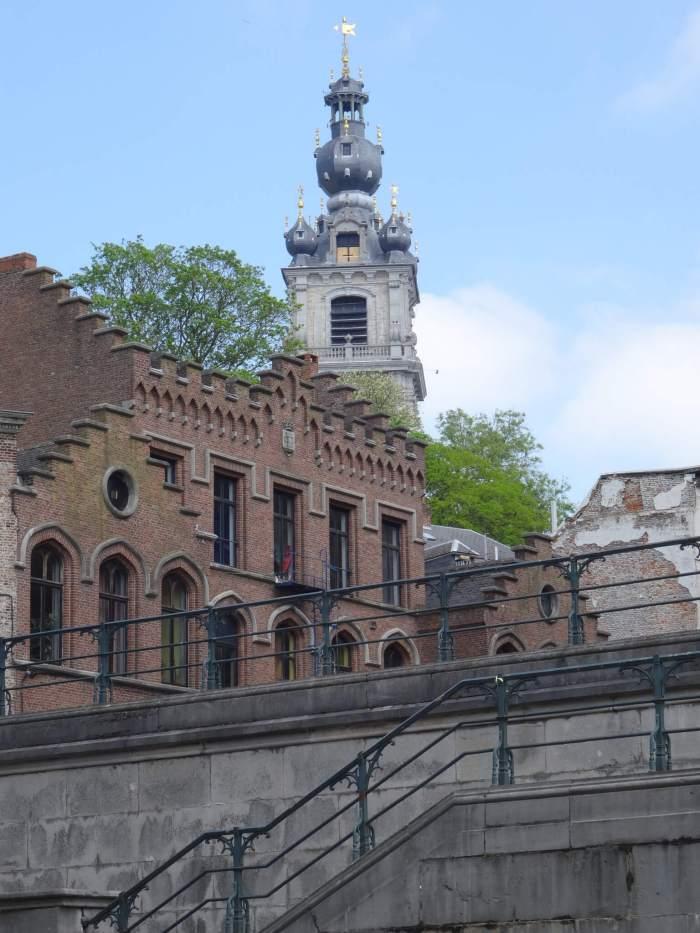 Belforttoren in Mons in barokke stijl