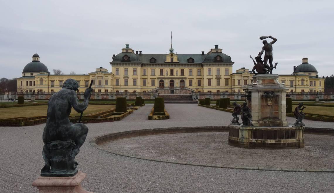 Paleis Drottningholm met Herculesfontein op de voorgrond