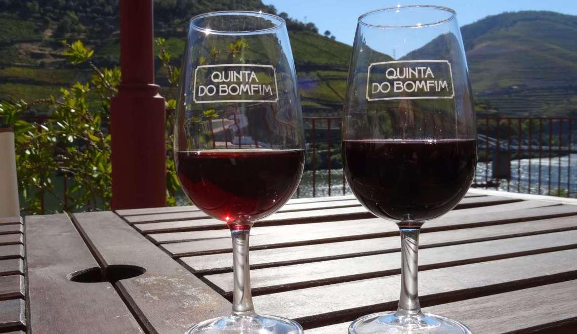 Twee glazen port van Quinta de