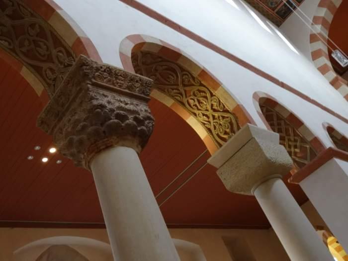 Ottoonse architectuur in kerk Hildesheim