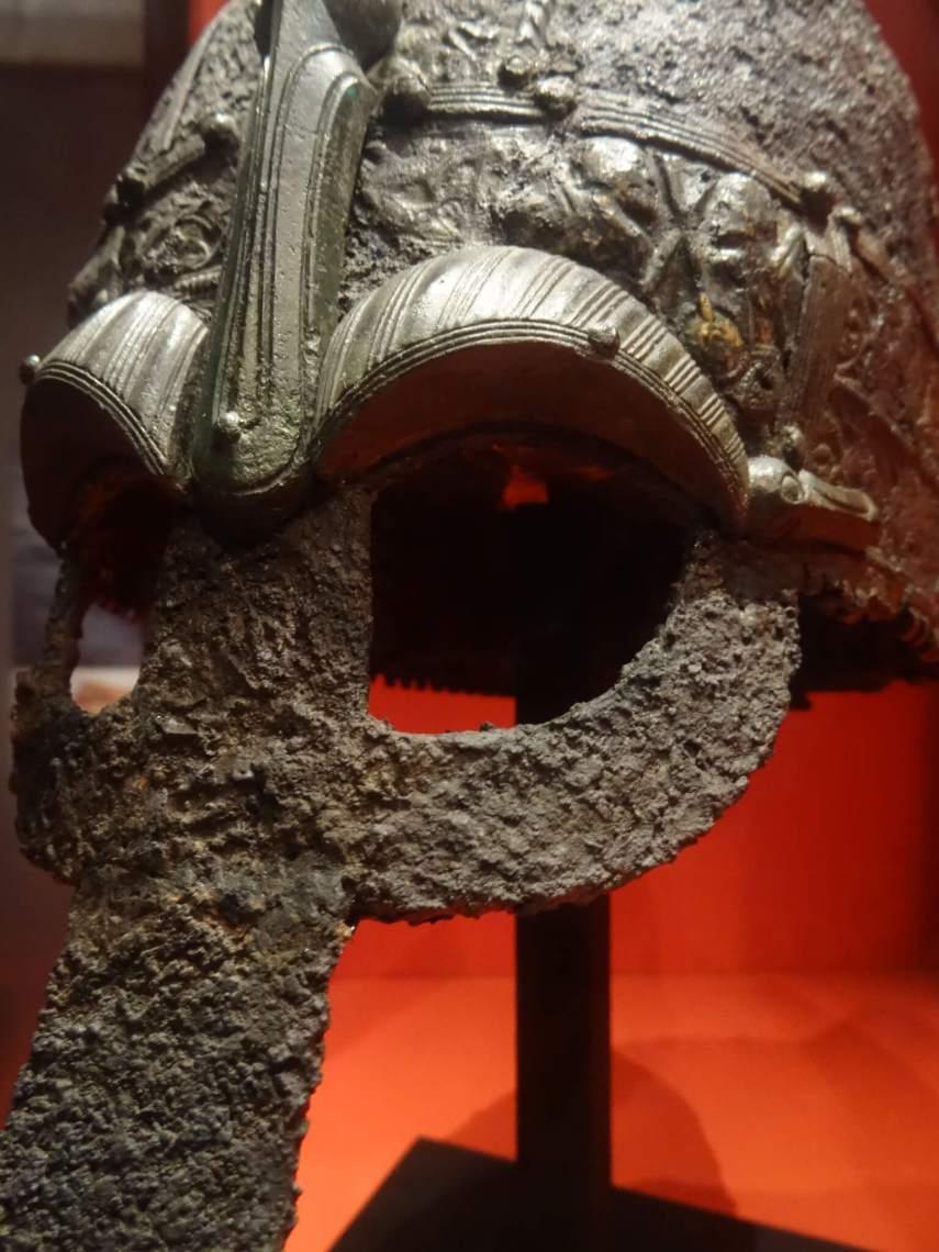 Vikinghelm met plaat voor ogen en neus