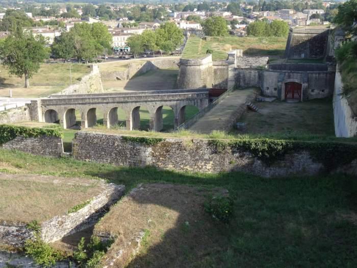 Zicht van bovenaf op de vestingwerken van Vauban in Blaye