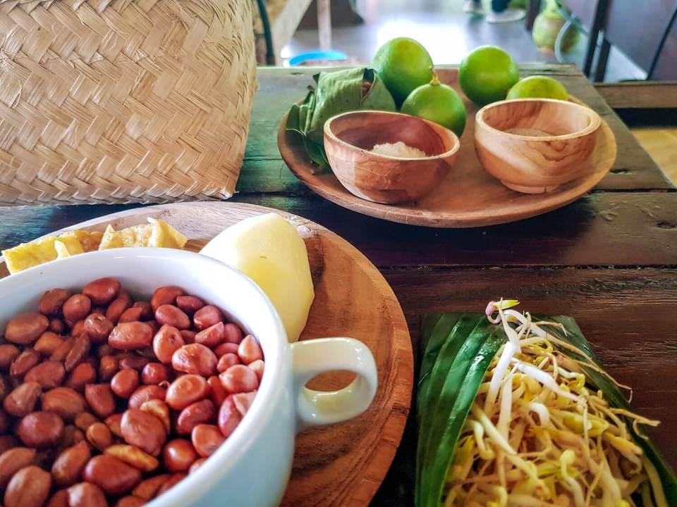 Epices et ingrédients frais lors d'un cours de cuisine à Bali