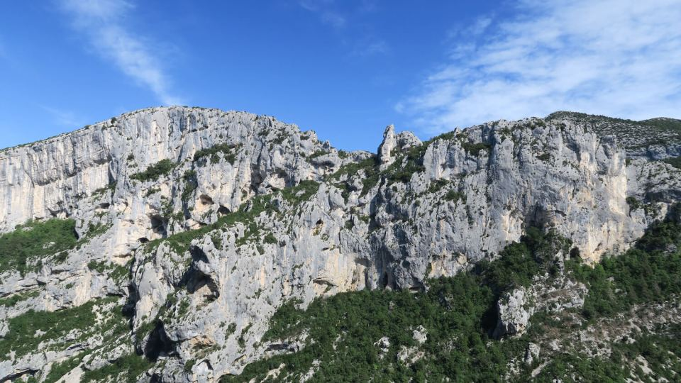 Vue des falaises du Verdon depuis la voie d'escalade La Demande