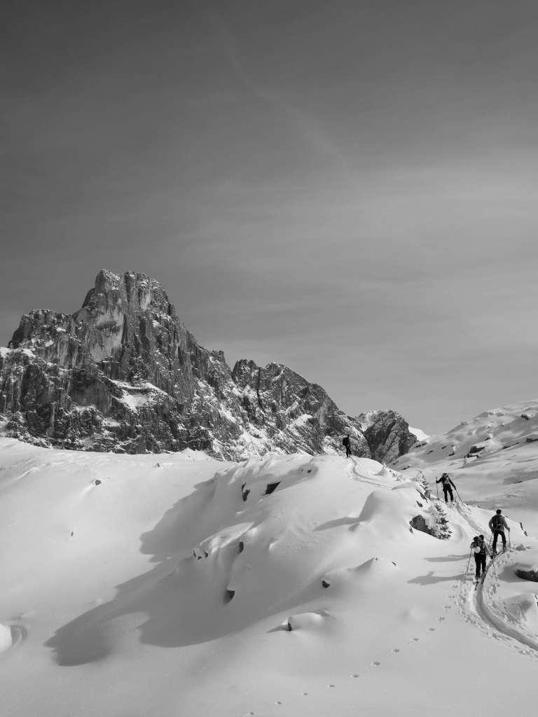 Cordée d'alpinisme, photo en noir et blanc de Giacomo Berardi
