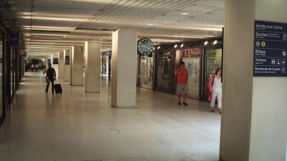 La Galerie Diderot, galerie marchande à la Gare de Lyon, Paris
