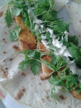 Warp avec poulet pané + roquette + sauce aux fines herbes !