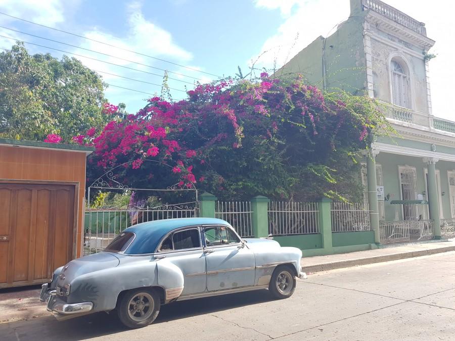 Road close to Palacio de Valle