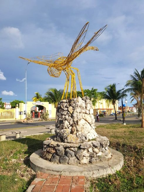 Dragon fly sculpture in Esculturas park