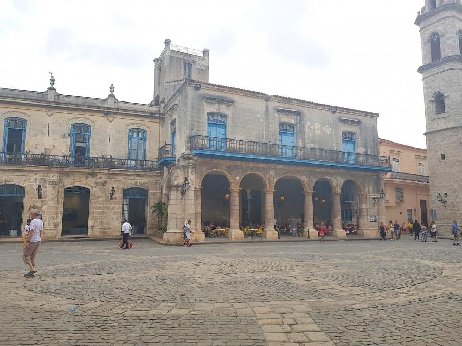 Building on Plaza de la Cathedral
