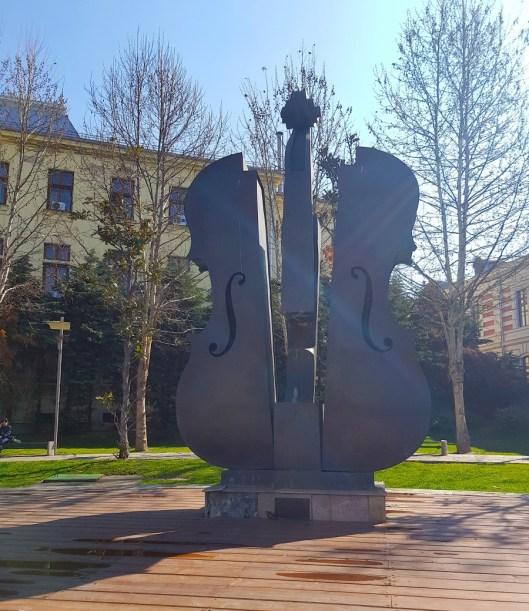 Broken Violin fountain (that isn't actually a fountain)