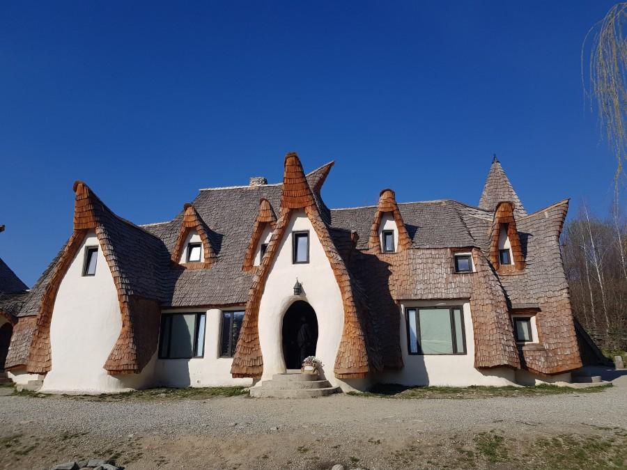 Castelul de Lut Valea Zanelor in Romania