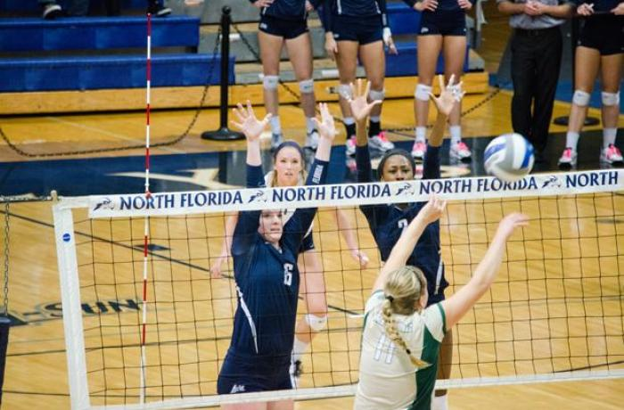 Women's volleyball shuts out JU in River City Rumble