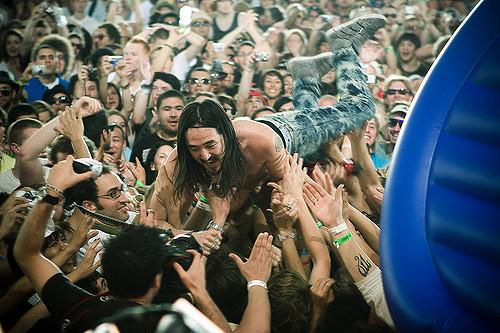 EXCLUSIVE: How to make a Steve Aoki cake, straight from Steve Aoki's people