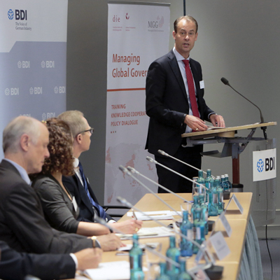 unfss-berlin-oct2016-podium-2-400