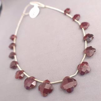Flower Garnet Beads