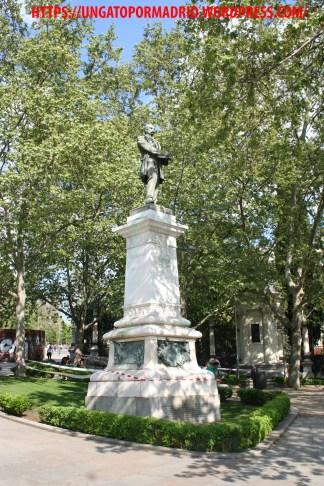 Estatua Claudio Moyano