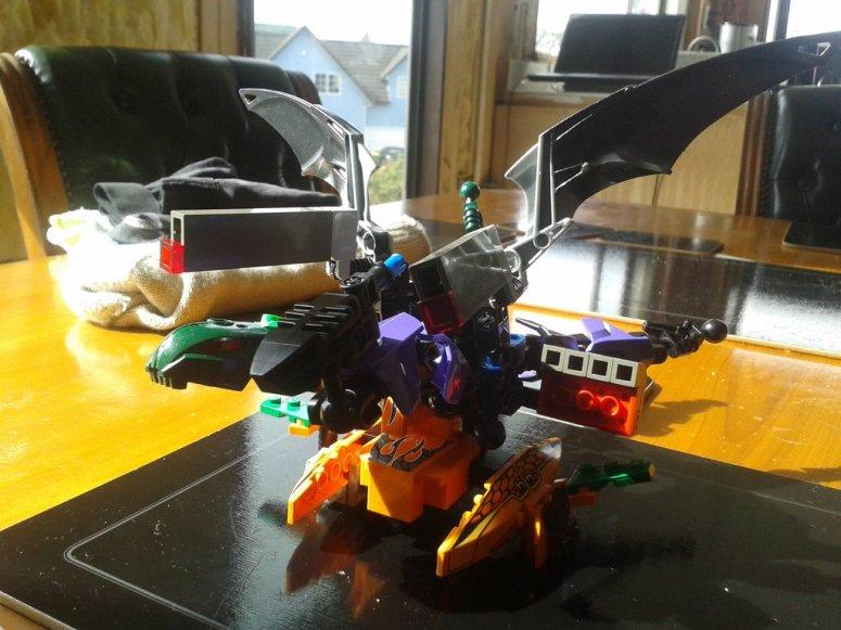 abc_dragon_buster_bionicle_model_by_sanokal-dadta3l.jpg