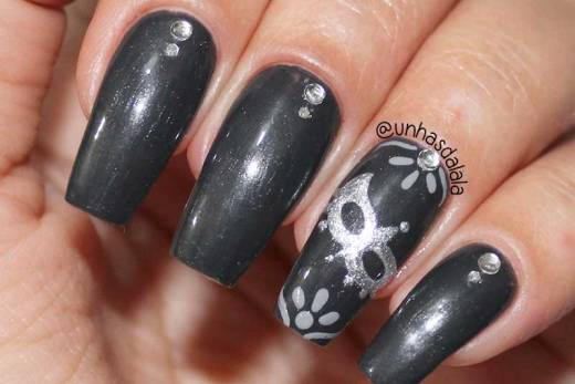 Unhas Decoradas Cinquenta Tons Mais Escuros