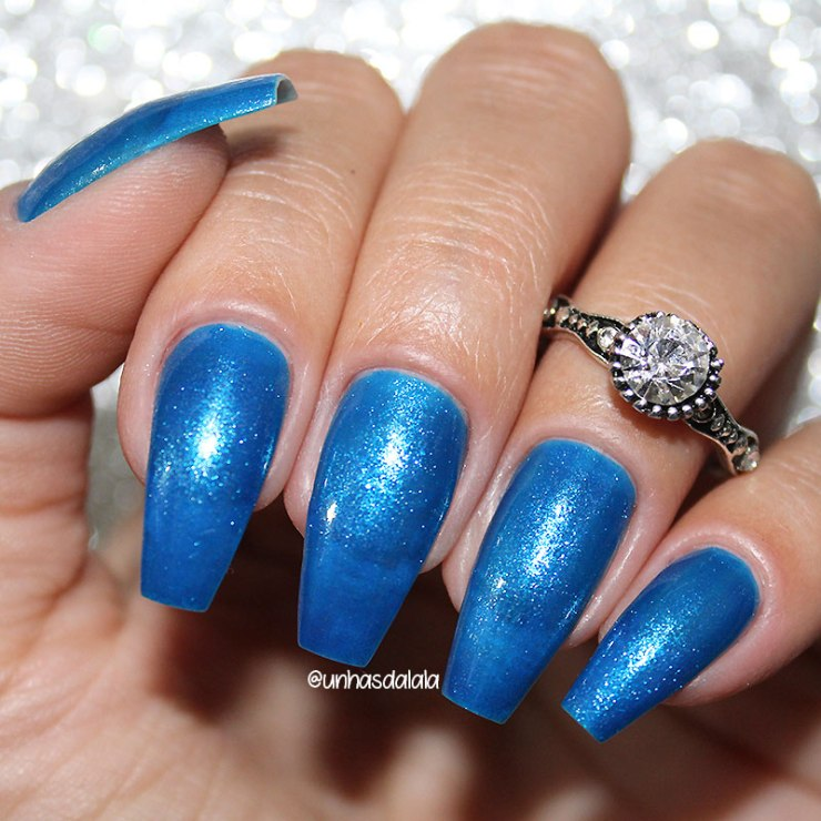 review esmalte cora metal blue