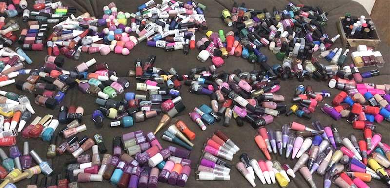 coleção de esmaltes, muitos esmaltes, a maior coleção de esmaltes, unhas da lalá, unhas da lala, larissa leite, mais de 700 esmaltes, esmalte, esmaltes, unhas, nails, nail