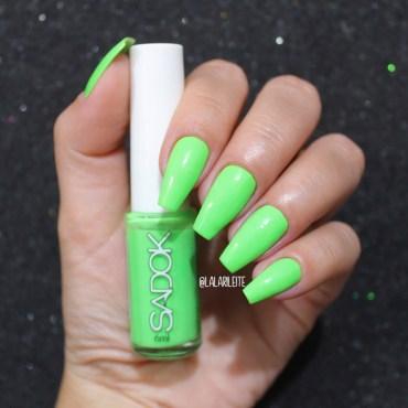esmalte sadok verde sambou, esmalte verde neon, esmalte verde, verde neon, esmalte sadok, esmalte sadok verde, esmalte sadok sambou, unhas da lala, neon nails, green nails, larissa leite