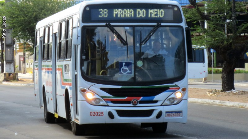 Natal: Obra da CAERN modifica, a partir de hoje, itinerários de ônibus e alternativo na Avenida 6