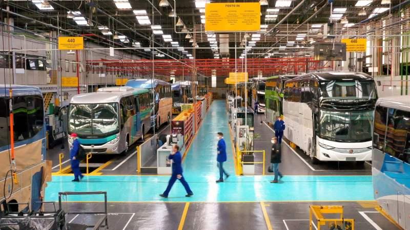 Produção nacional de ônibus no primeiro semestre de 2020 foi a menor dos últimos 21 anos