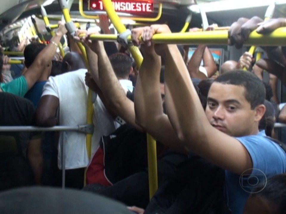 Rio de Janeiro: Passageiros denunciam superlotação no BRT