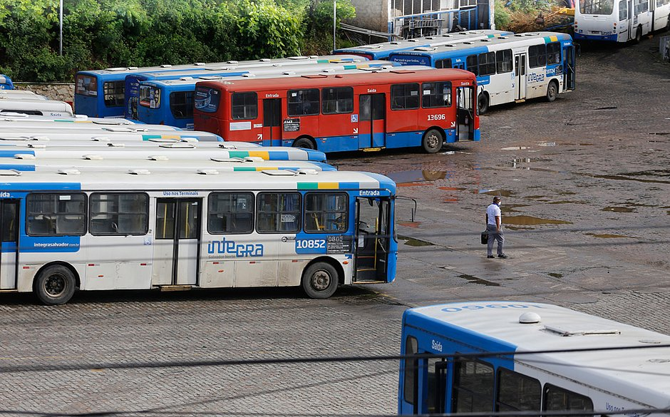 BA: Prefeitura de Salvador usa 150 ônibus de outras empresas para não parar linhas da CSN