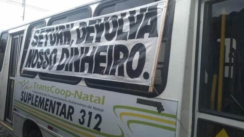Natal: Permissionários do transporte alternativo protestam e paralisam circulação
