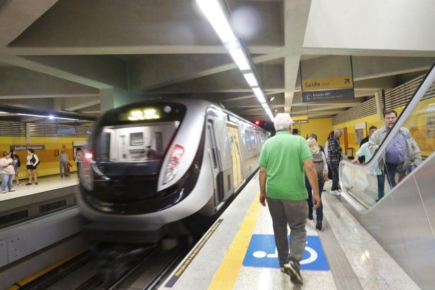 Metrô do RJ só tem caixa para operar por mais 2 meses
