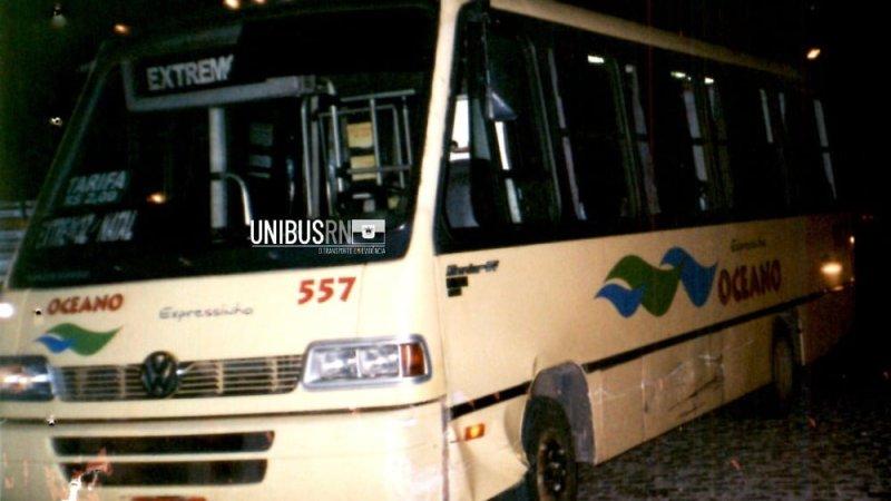 Os micro-ônibus da empresa Oceano