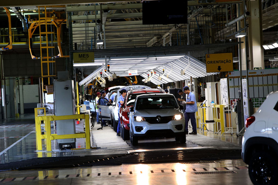 Financiamentos de veículos recuam 23,6% em um ano