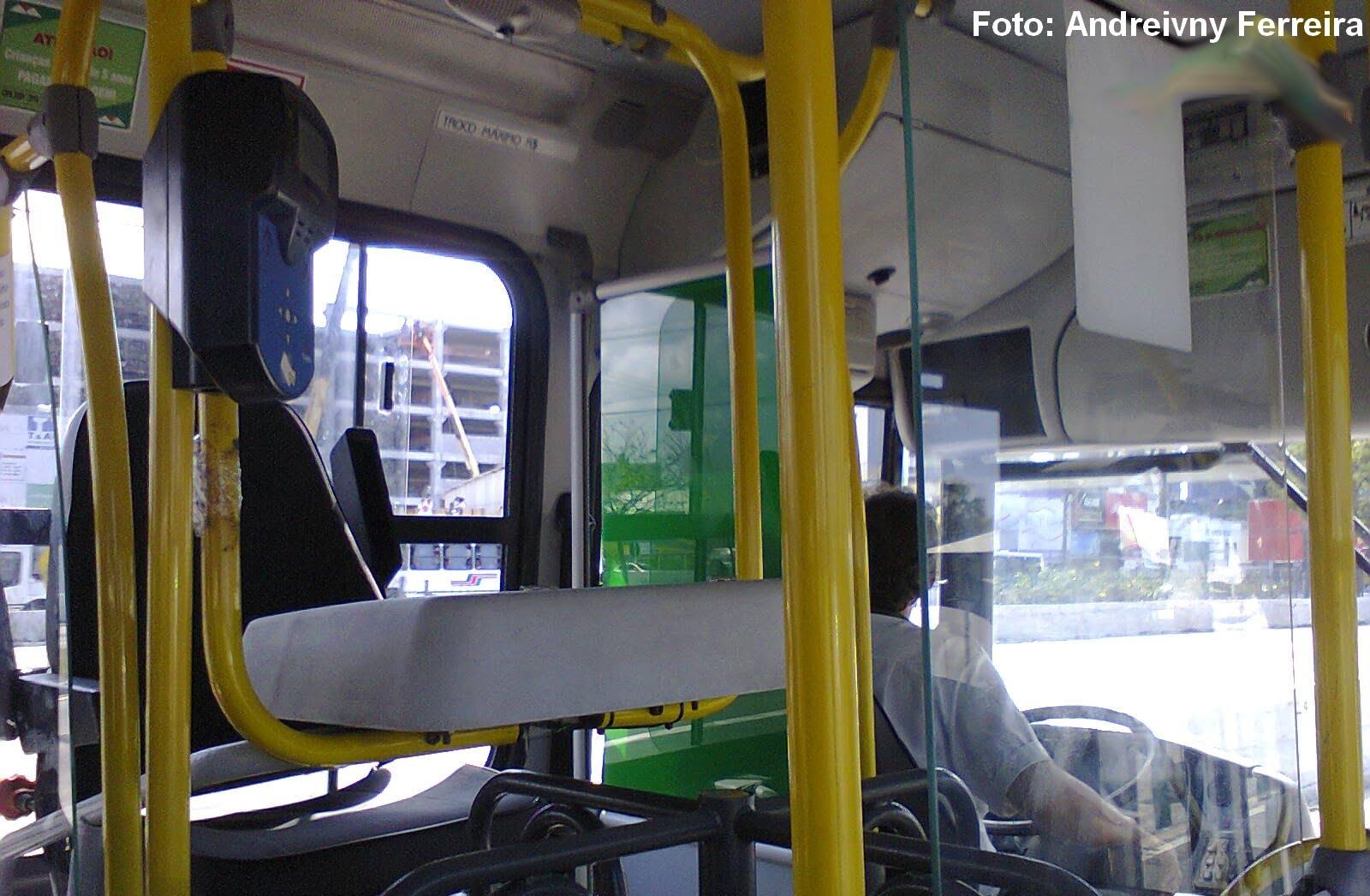 Motoristas de ônibus podem acumular função de cobrador, reafirma TST
