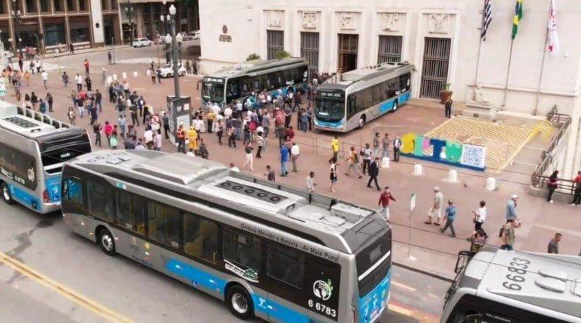 Ônibus elétricos da Transwolff em SP pouparam o ar de 1,1 mil toneladas de CO2 e economizaram 432 mil litros de diesel