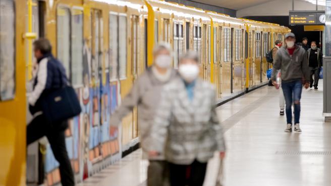 Alemanha debate: há maior risco de contágios no transporte público?