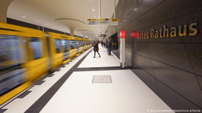 """Berlim ganha """"nova linha"""" de metrô"""