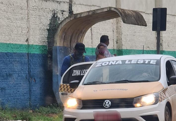 Concorrência injusta de táxi compartilhado leva prejuízo à nova empresa de ônibus em Porto Velho